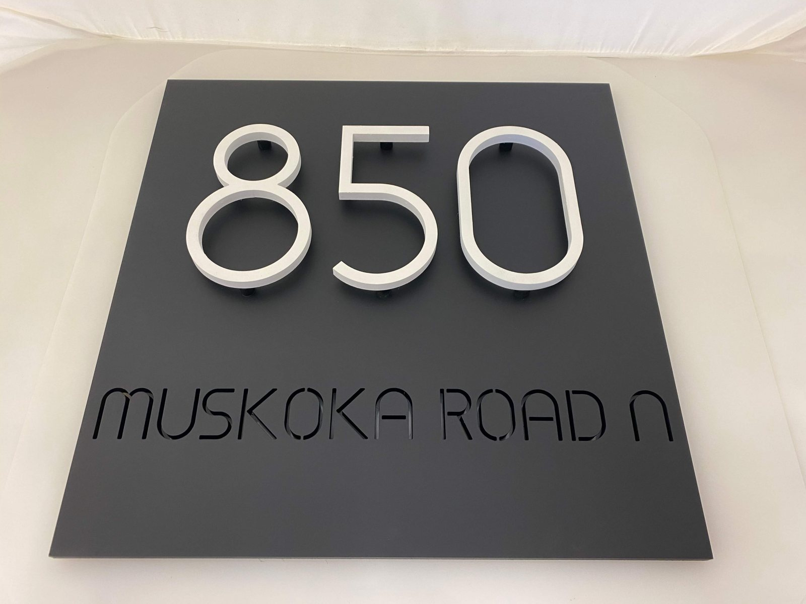 Vivid House Number | Residential Room Numbers | 850 Muskoka Road N | White Finish | Custom Black Plate